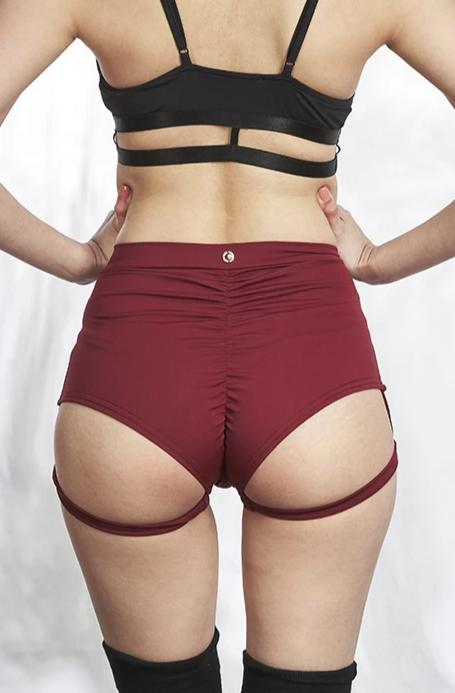 Lure You high waist garter shorts – Burgundy