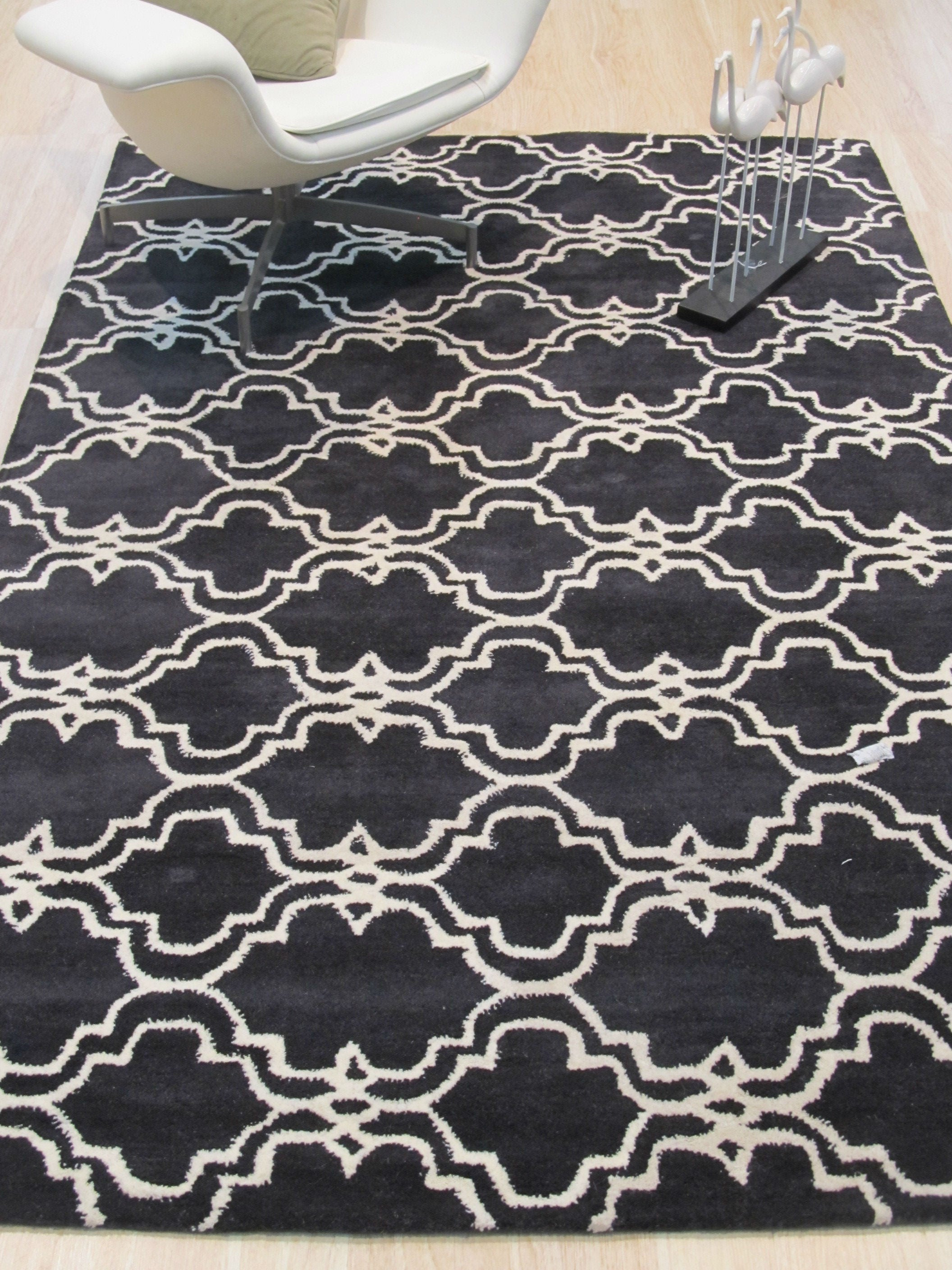 EORC Hand-tufted Wool Black Traditional Trellis Moroccan Rug