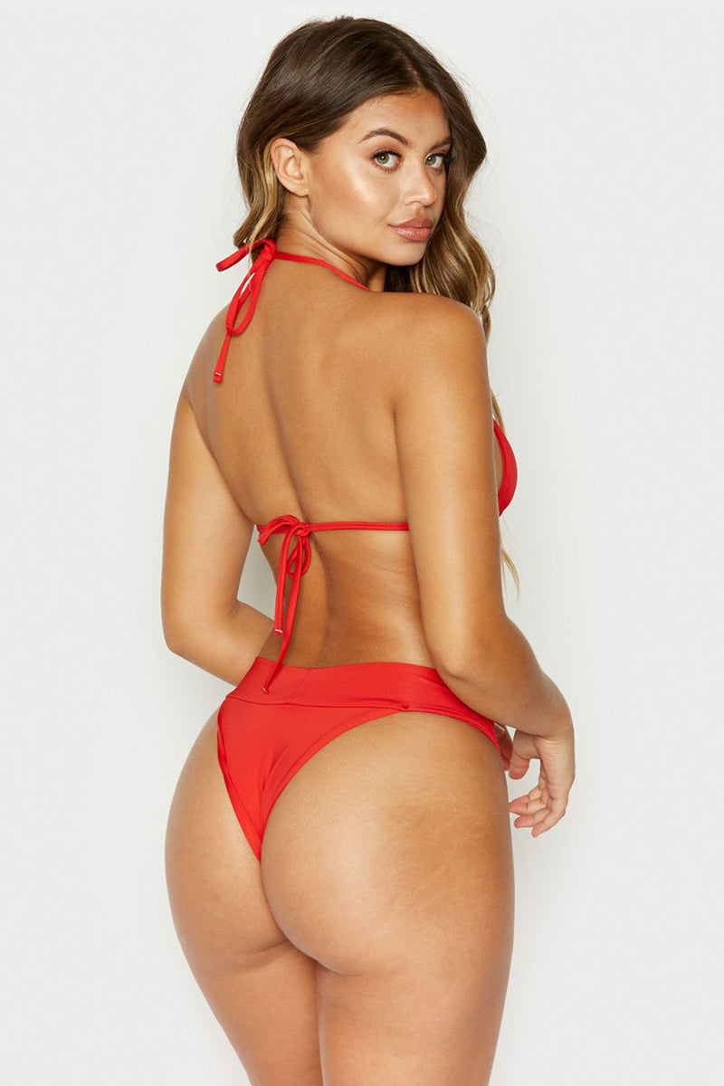 Nick Bikini, Red
