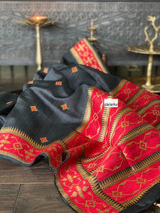 Pure Tassur Silk Banarasi - Black Red Paithani