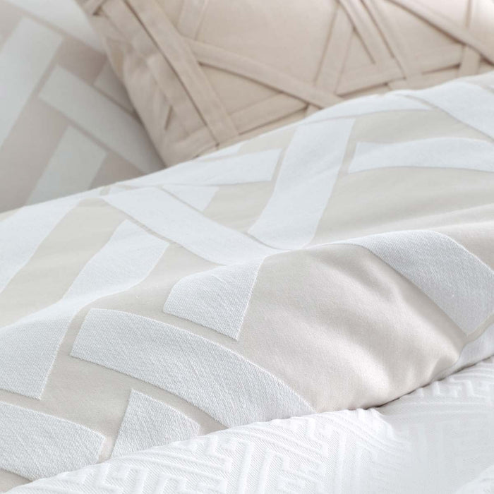 Pagoda Linen Quilt Cover Set by Florence Broadhurst