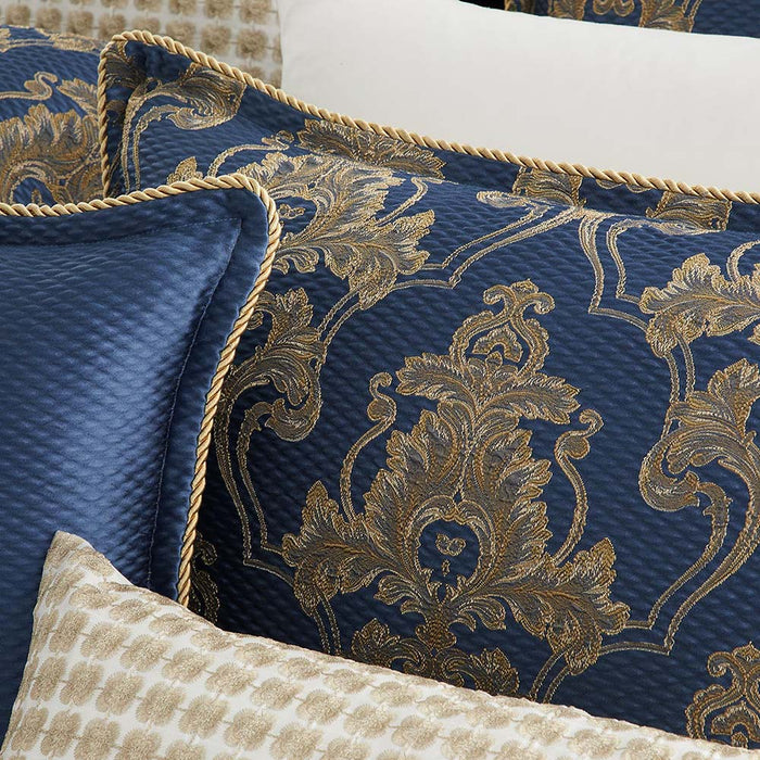 Windsor Navy Quilt Cover Set By Davinci