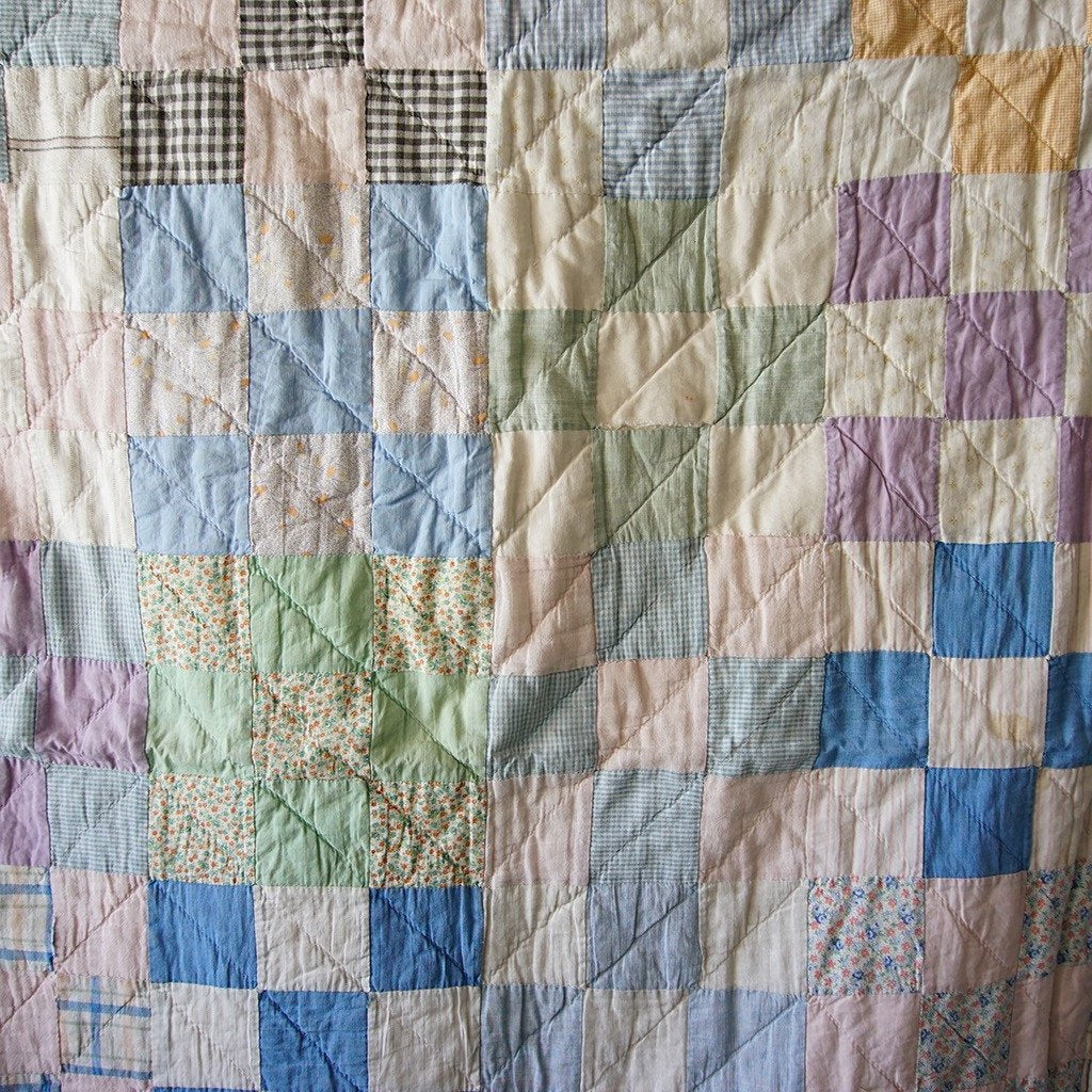 Vintage Square Patch Quilt - Family Store
