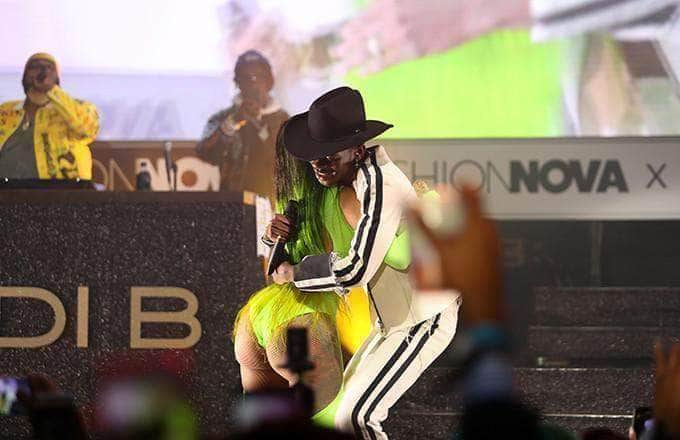 "Cardi B Performs ""Old Town Road"" With Lil Nas X"