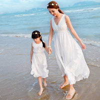 Family Matching Clothes 2018 Summer Mother Daughter Dresses Fashion Me and Mom White Yellow Baby Girl Clothes Family Clothing
