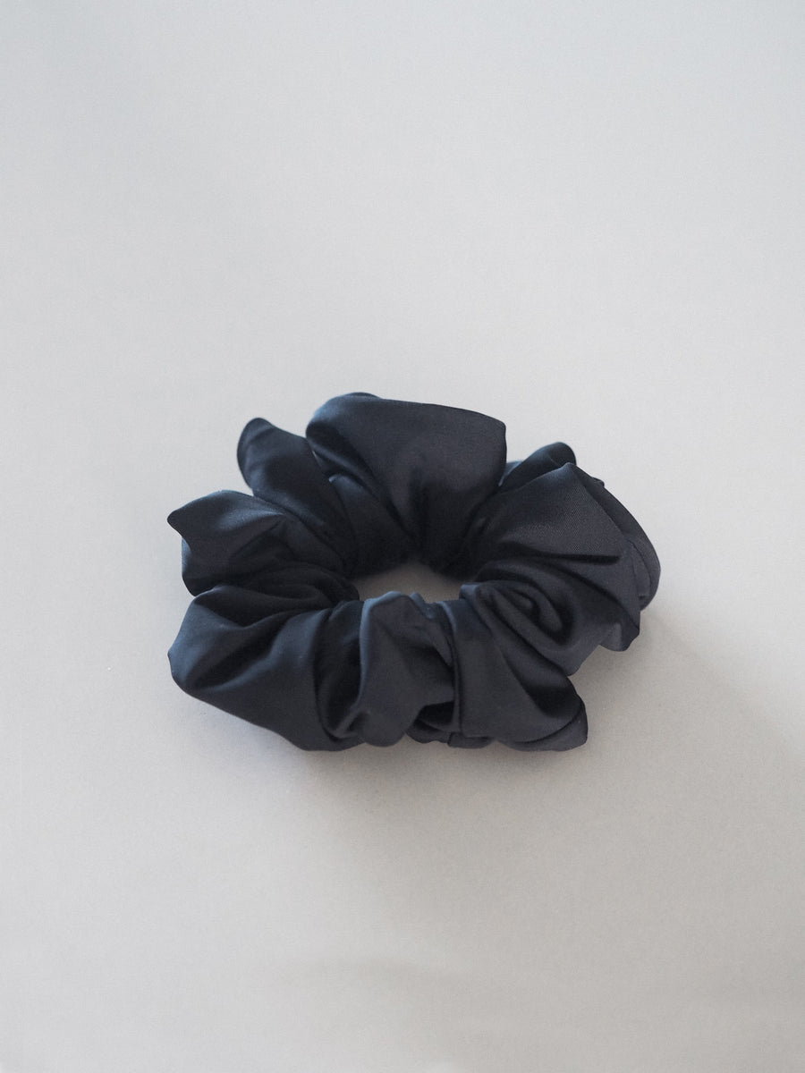 SEA BLACK SCRUNCHIE - ACCESSORIES