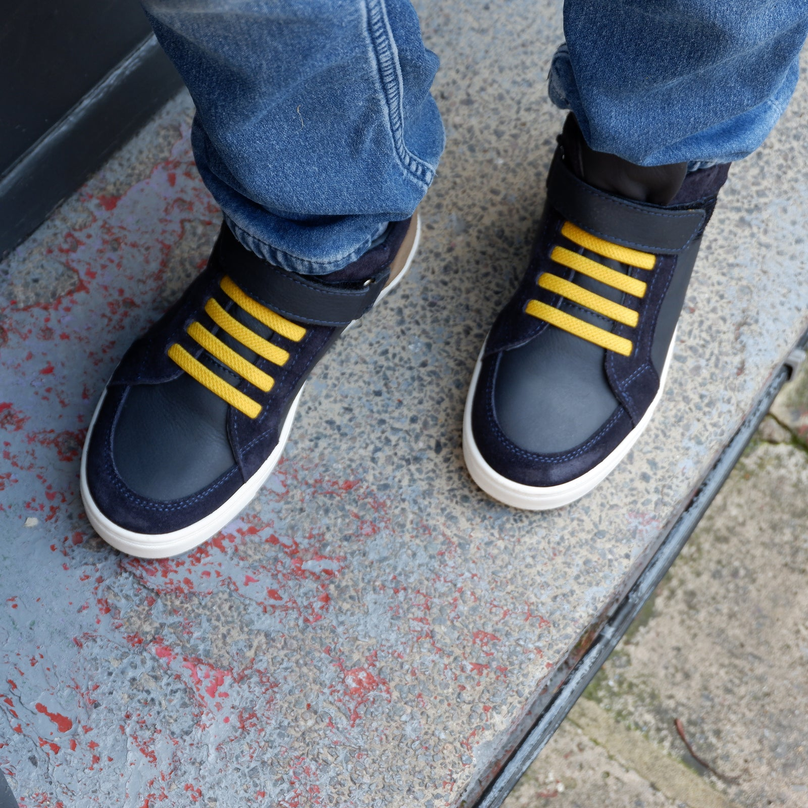 Leo High Top Trainers Navy and Yellow