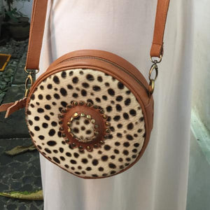 Moon Round Leather bag Cuero - AnamasGypsy