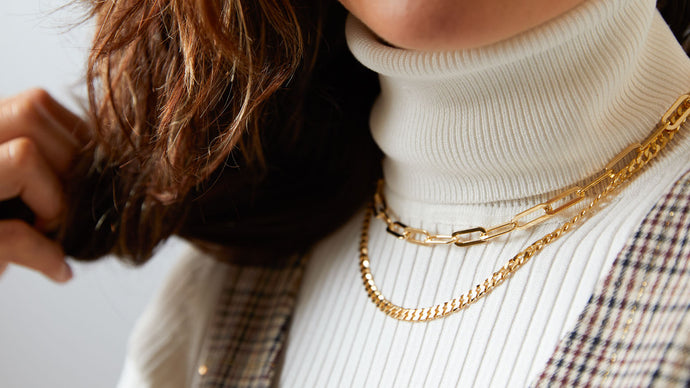 How to Layer Your Necklaces and Choose the Perfect Length