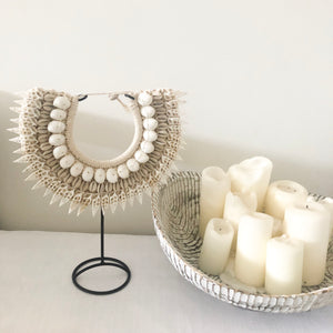 Kacia Shell Necklace with Stand