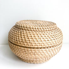 Cosmo Rattan Canister