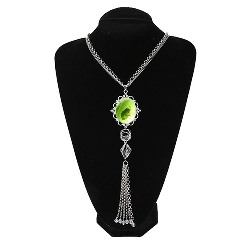 Red Eyed Tree Frog Catch Green Leaf Picture necklace Animal Charms Long Tassel Necklace Pendants personalized Bridesmaid Gifts - www.Kashamasha.com