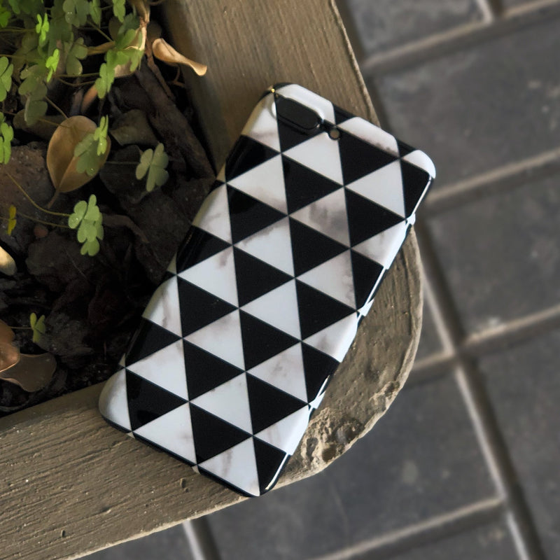 White Black Two Triangle Case With Ring - كفر مع مسكة خاتم