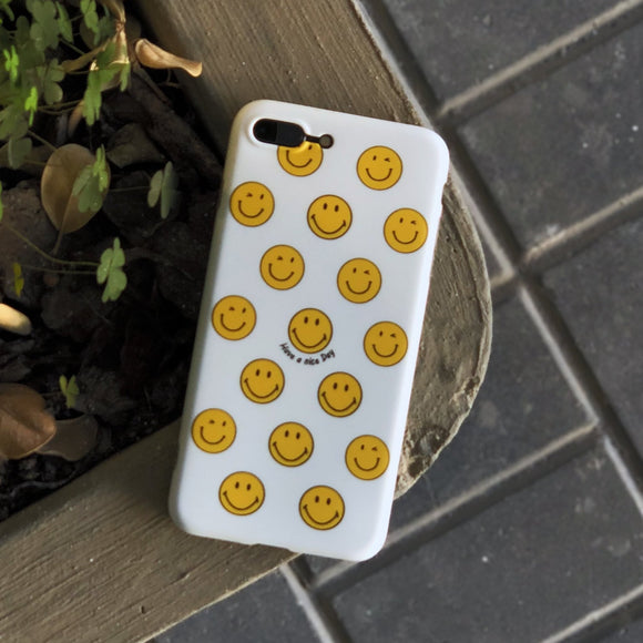 White Smile Faces Case With Ring - كفر مع مسكة خاتم