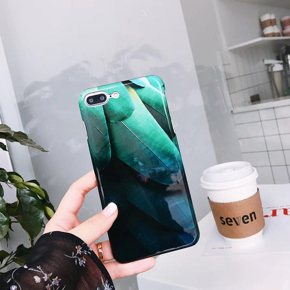 Green Shiny Leaf Case