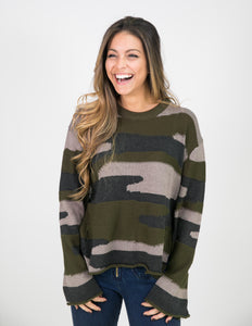 CREW NECK CAMO SWEATER