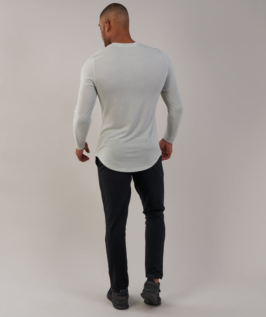Gymshark Perforated Longline Long Sleeve T-Shirt - Pastel Green 2