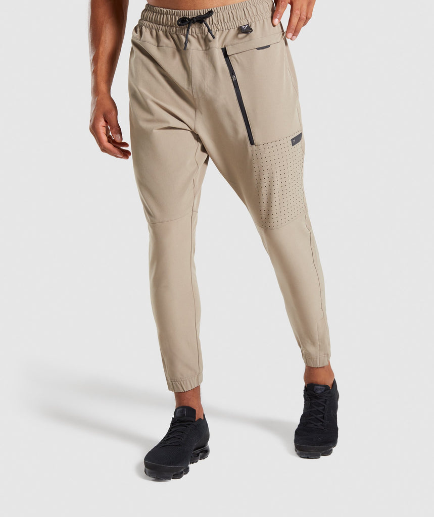 Gymshark Cargo Tech Bottoms - Driftwood Brown 1