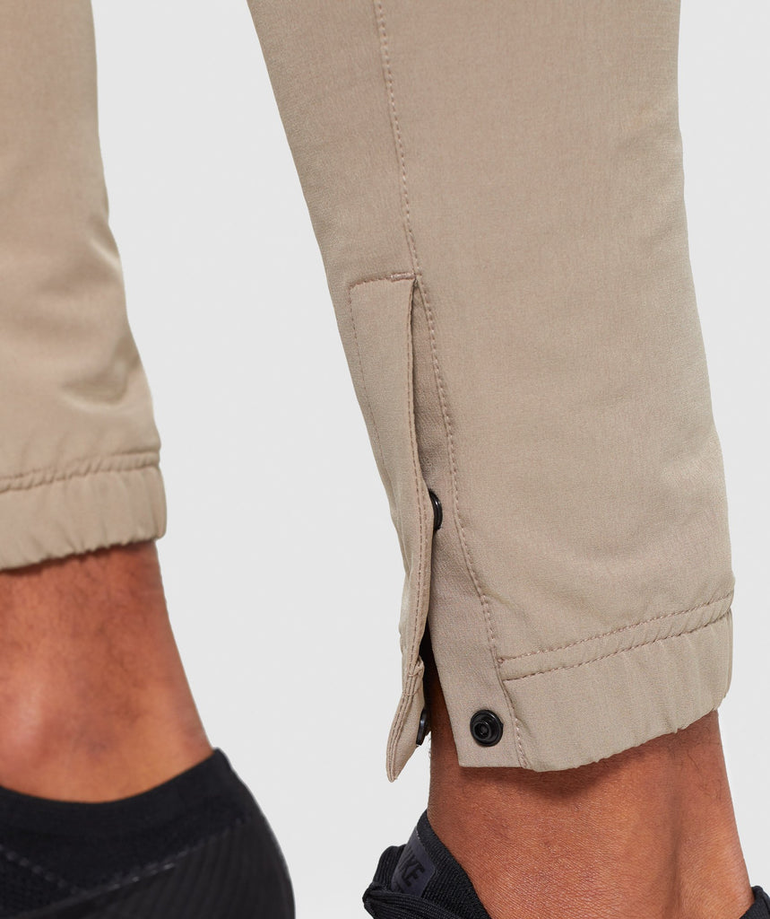Gymshark Cargo Tech Bottoms - Driftwood Brown 6