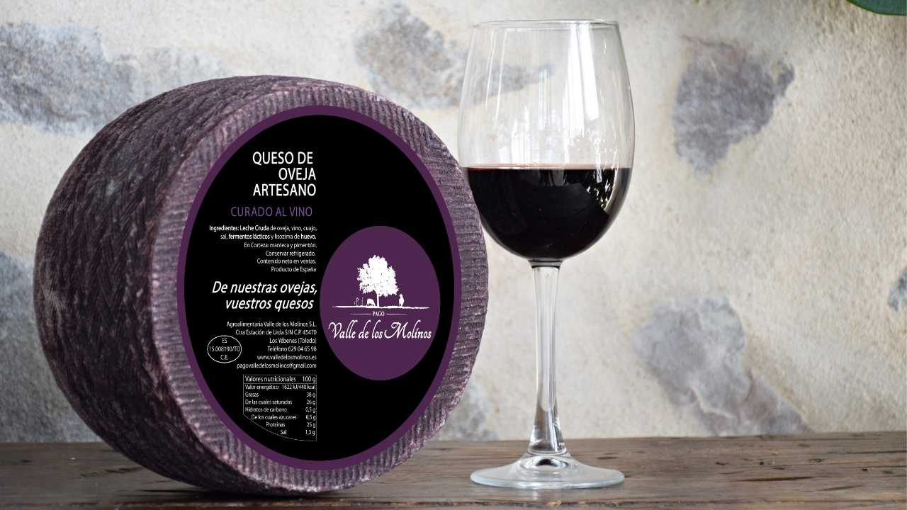Manchego cheese in red wine