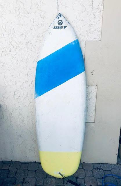 "5'9"" WET Shortboard Surfboard (Carbon)"