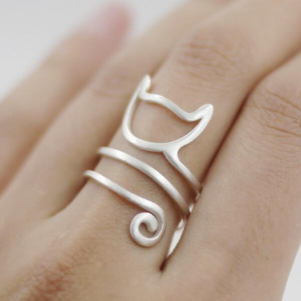 .925 Sterling Silver Cat Ring