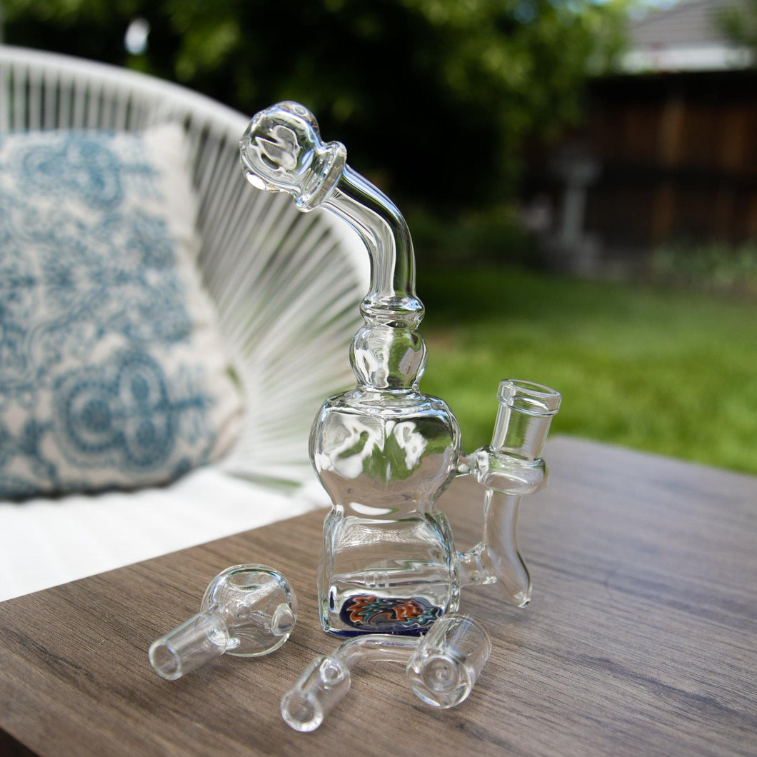 Purchase and Save on a Premium Glass Dab Rig with a Quartz Banger from MeTimeBox Products!