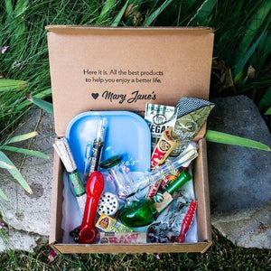 The best weed smokers subscription box is packed with smoking accessories delivered discreetly to your door.
