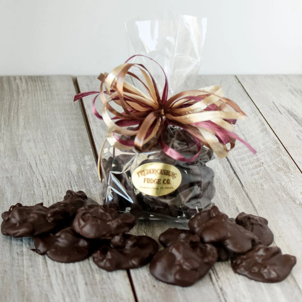 Dark Chocolate Pecan Clusters Bag (6 oz.)