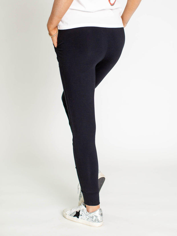 black slim leggings