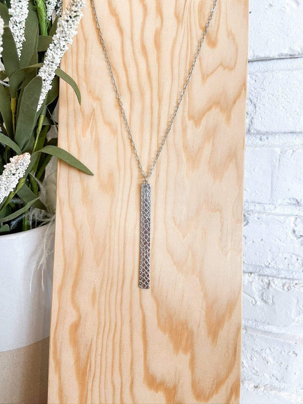 Textured Snake Print Bar Necklace