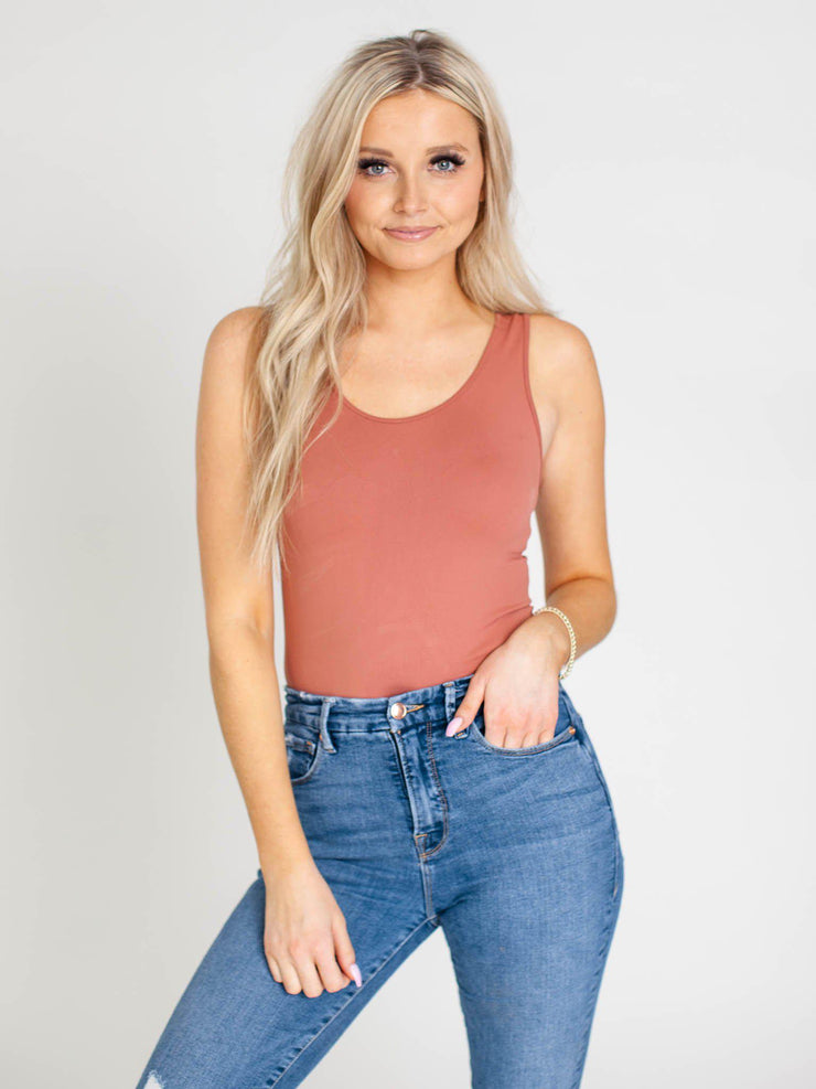seamless u-neck tank