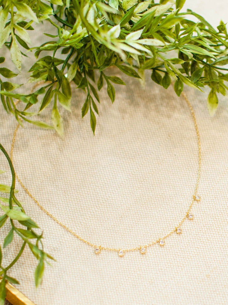Delicate Circle Chain Necklace