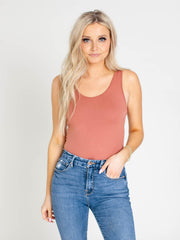 ginger scoop u-neck tank