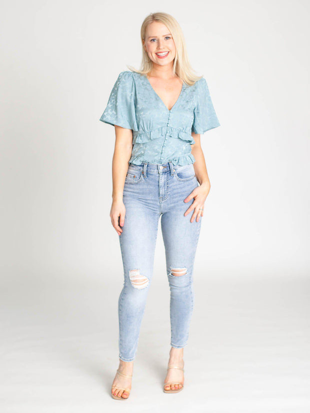 ASTR Short Sleeve Ruffle Hem Top