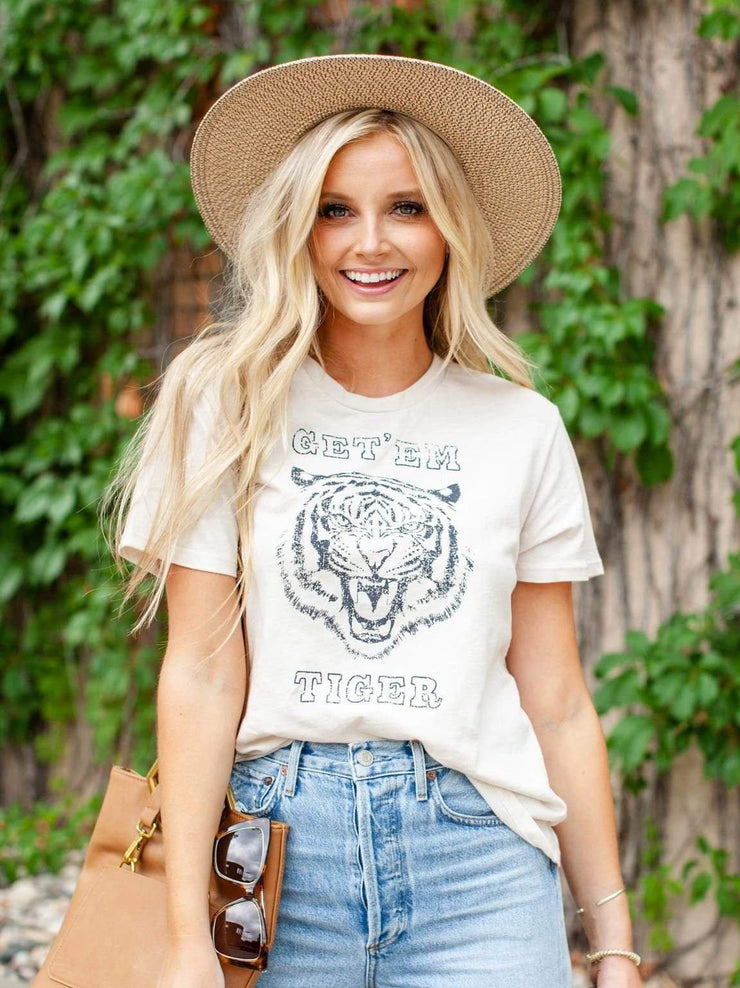 Get 'Em Tiger Neutral Graphic Tee