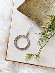 Intertwined Metal Open Circle NEcklace