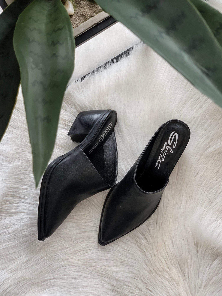 sbicca black leather mule slide