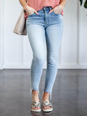 lightwash skinny jean