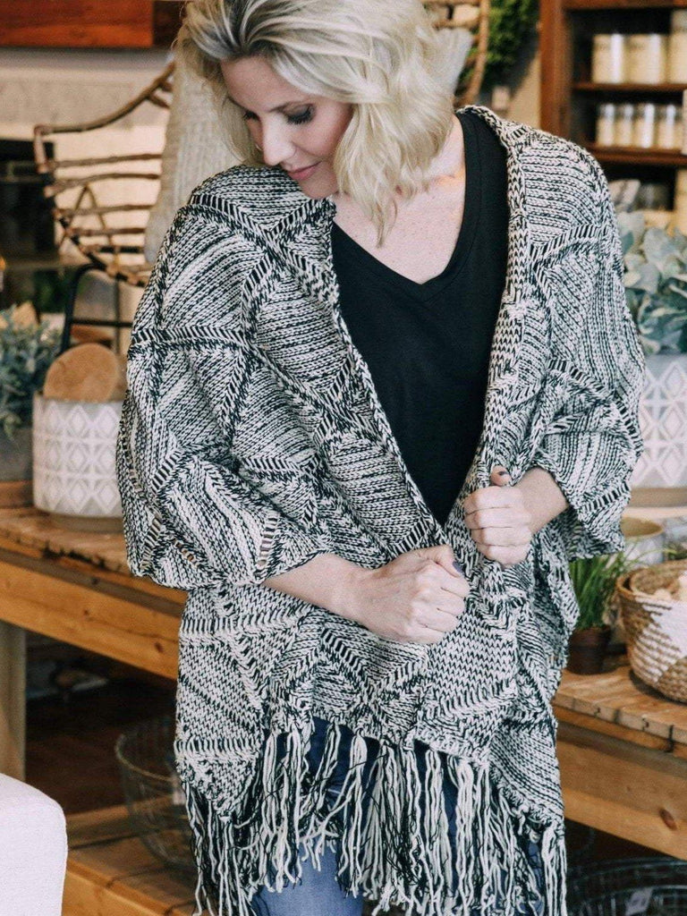 Mystree Sweaters Black/Cream / O/S / 16593 Diamond Patterned Fringe Shawl