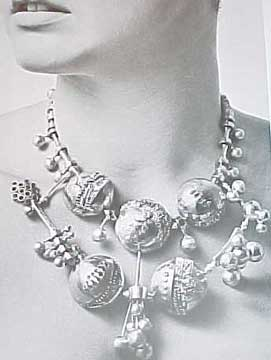 THE ART OF JEWELRY (1972)