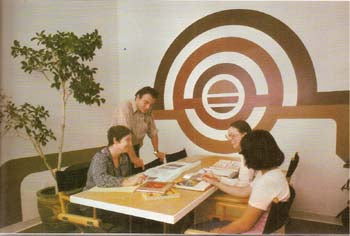 FAMILY CREATIVE WORKSHOP. VOLUME 19 (1975)