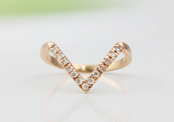 "Vegan ""V"" Ring - The Little Secret Boutique"