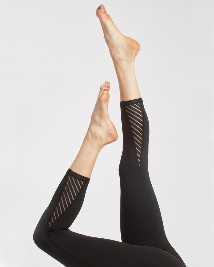 Altitude High Waisted Crop Legging - Black
