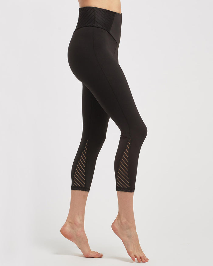 Altitude Crop Legging - Black