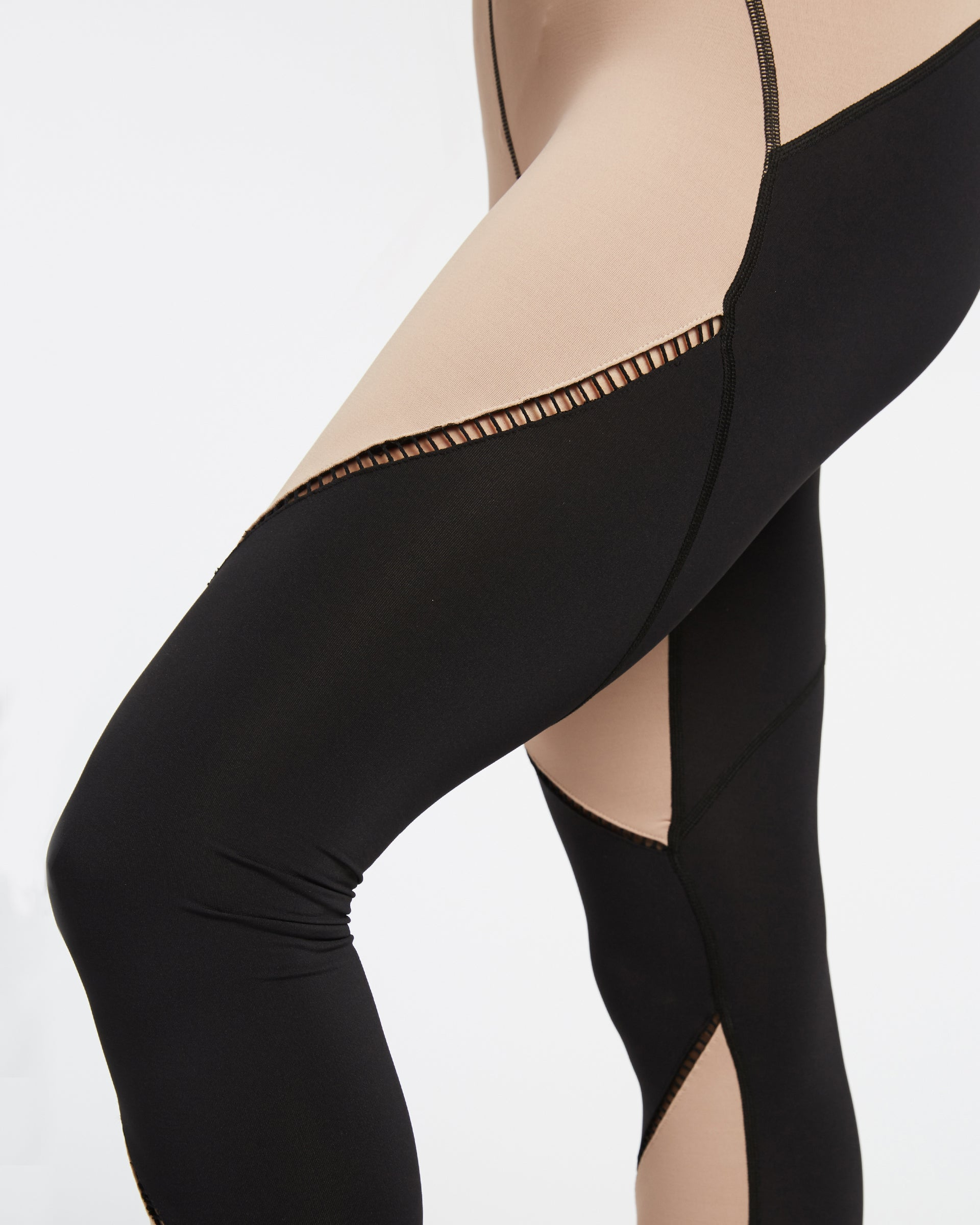 axial-legging-nude-pink-black
