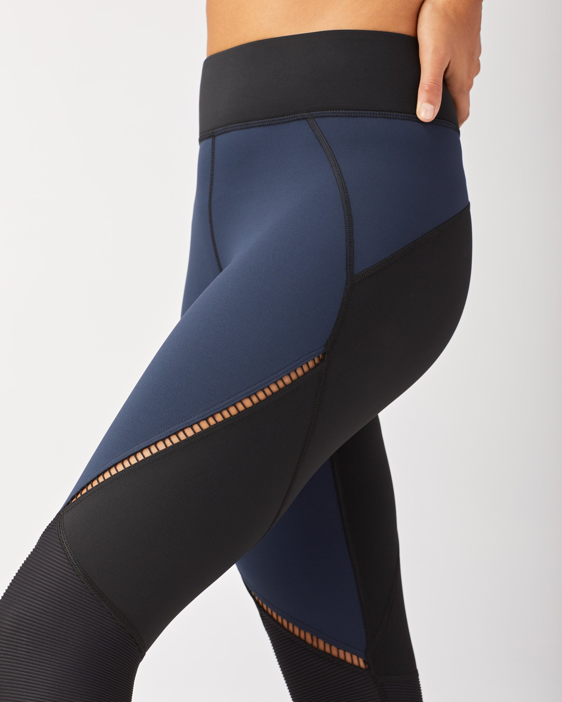 evolve-legging-navy-black