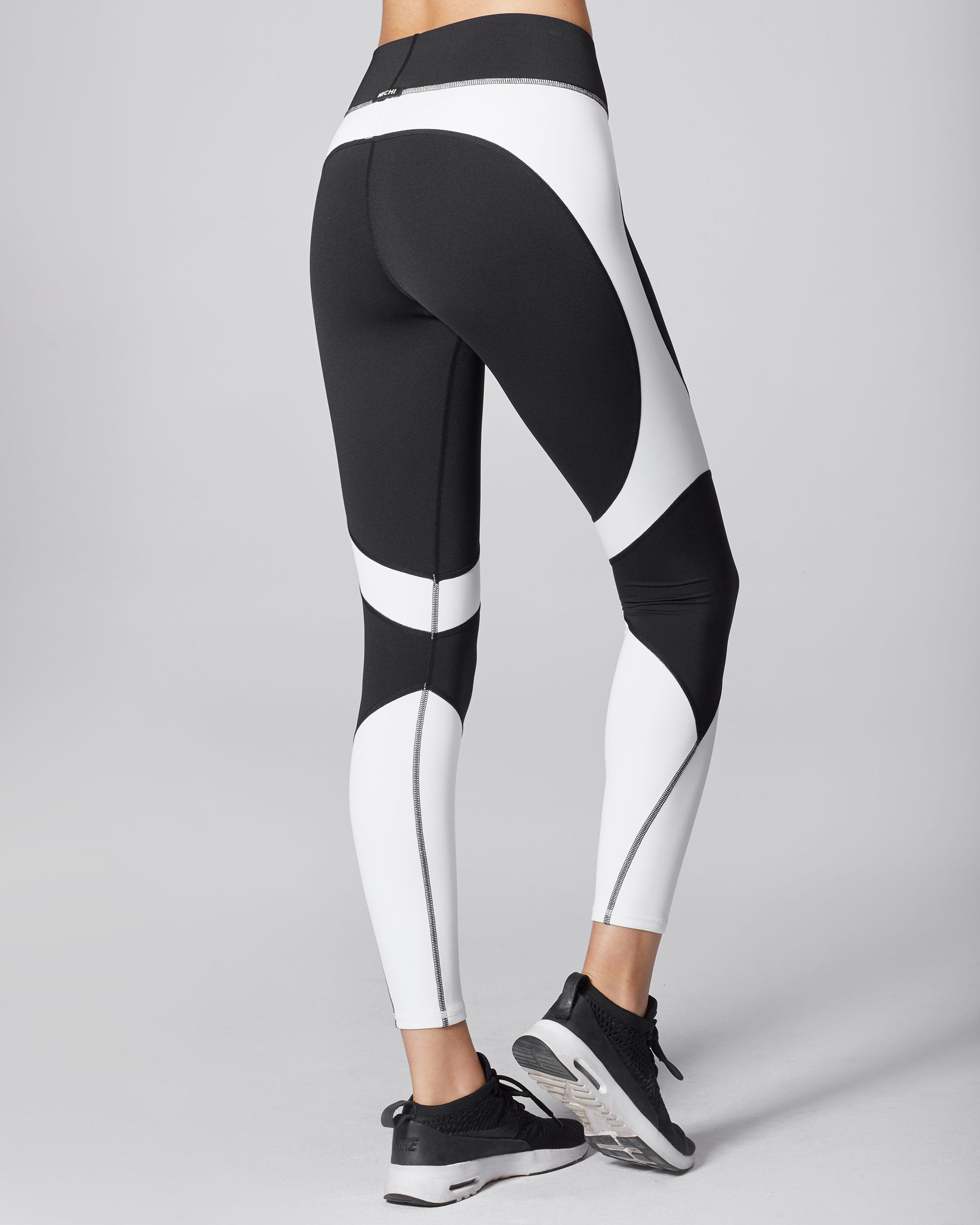 glory-legging-black-white