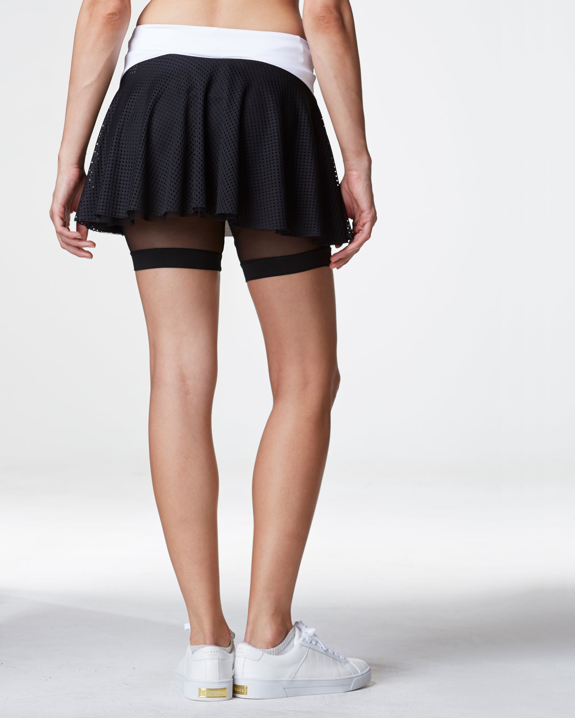 deuce-tennis-skirt-white-black