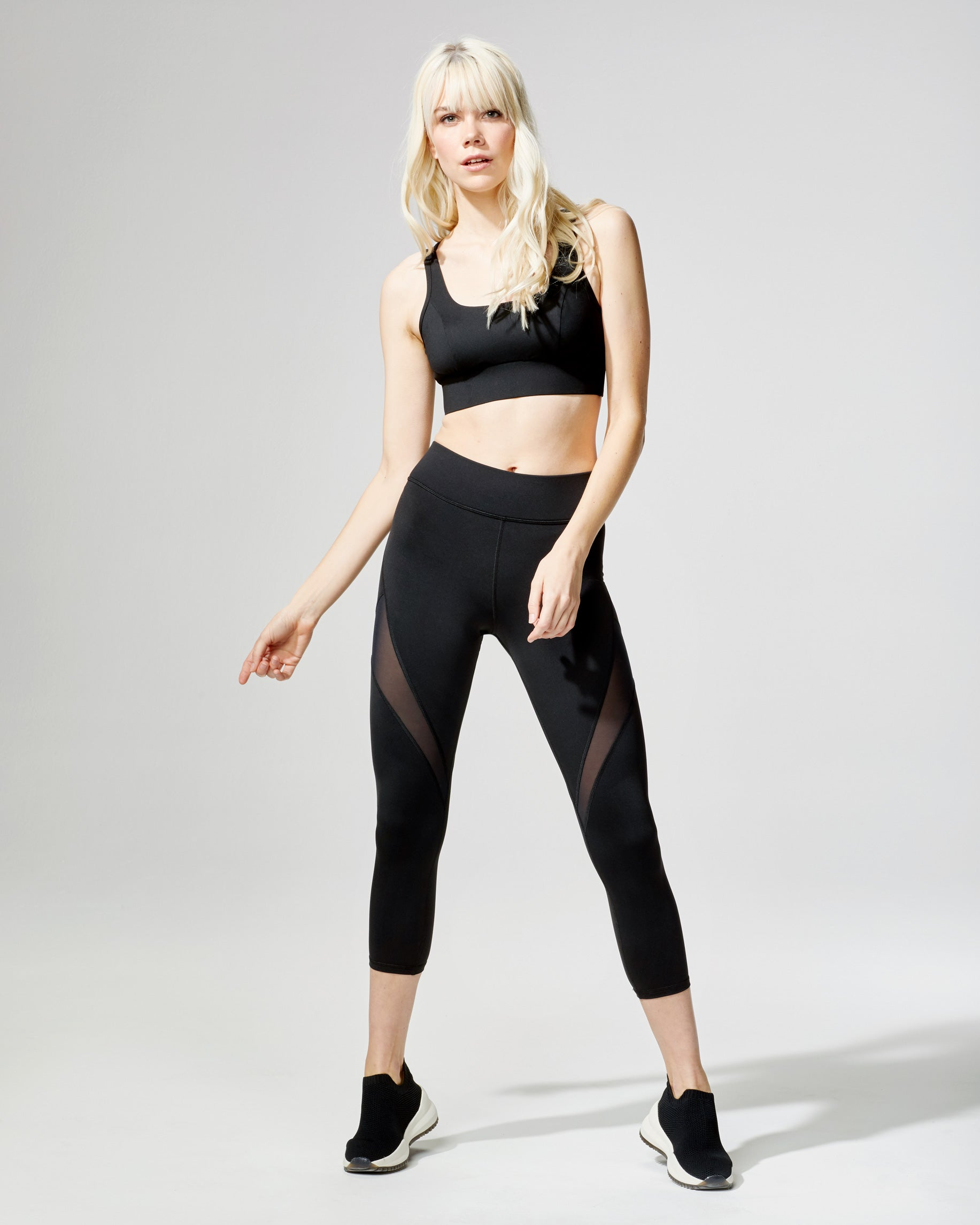 inversion-crop-legging-black